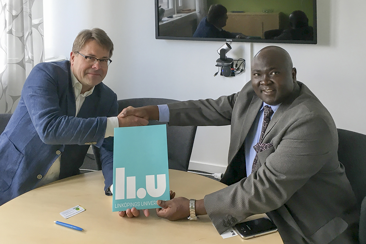 Peter Värbrand, Deputy Vice-Chancellor at LiU, and Maurice Amutabi, Vice-Chancellor of Lukenya Unive
